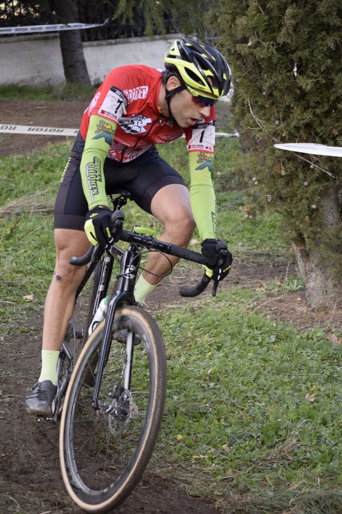 Carlos Hernández ganador élite